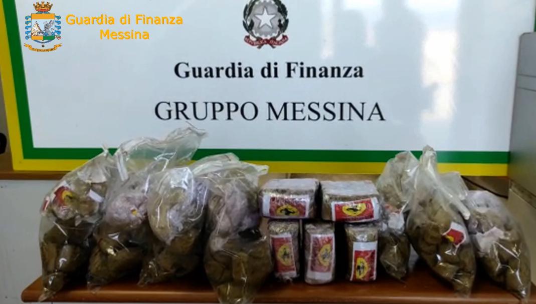 Trasportava 3 kg di hashish: arrestato corriere di droga