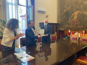 IRCCS, De Luca consegna targa al professor Bramanti