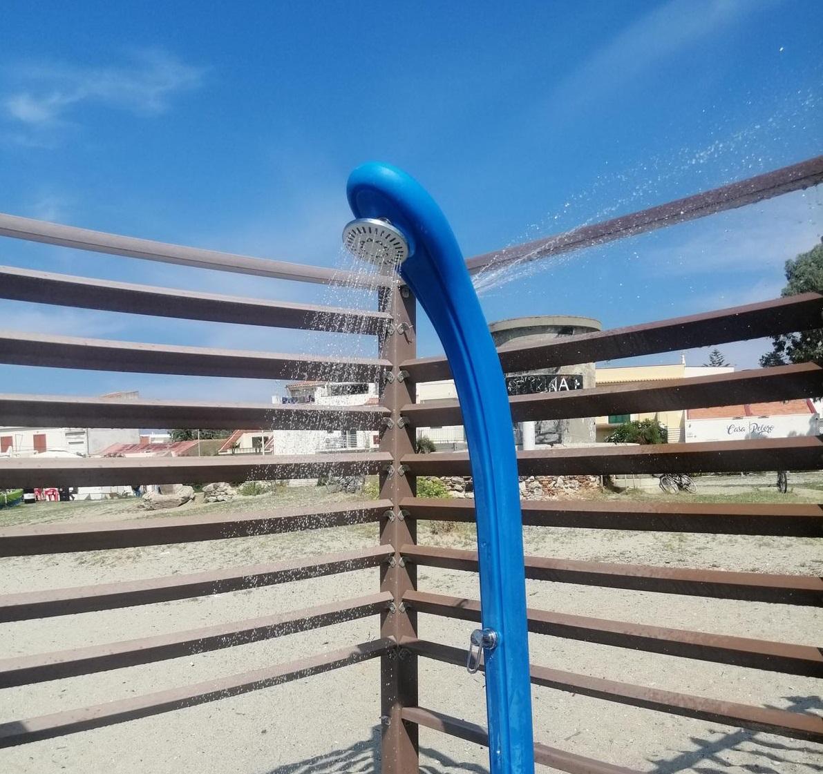 Doccia aperta da 3 giorni a Torre Faro: sprecati oltre 86 mila litri d'acqua
